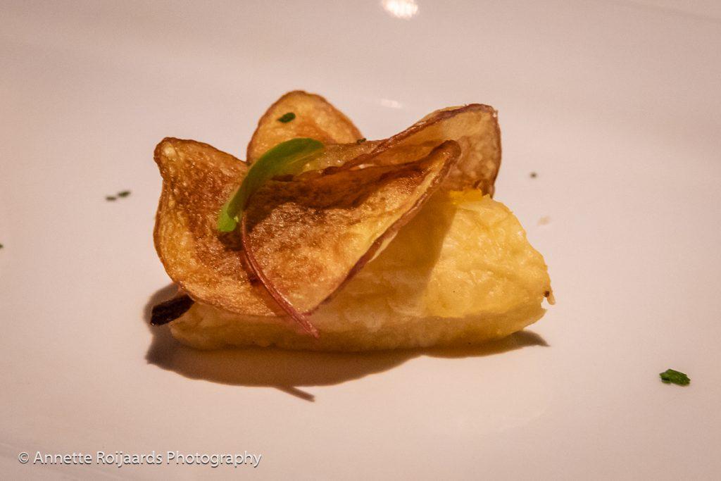 Een van de voorafjes: peen en ui tarte tatin